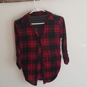 3/4 sleeve red and black plaid tops